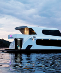 STATUS LUXURY HOUSEBOATS